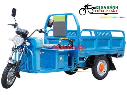 xe điện ba bánh chở vật liệu